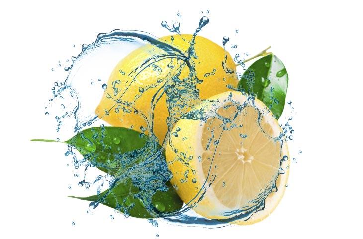 Woda z cytryną co potrafi