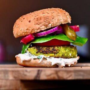 Domowy burger falafel